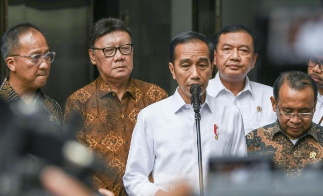 Jokowi Bilang Kebijakan Pemda Terkait Corona Jangan Perburuk Situasi, Sindir Anies?