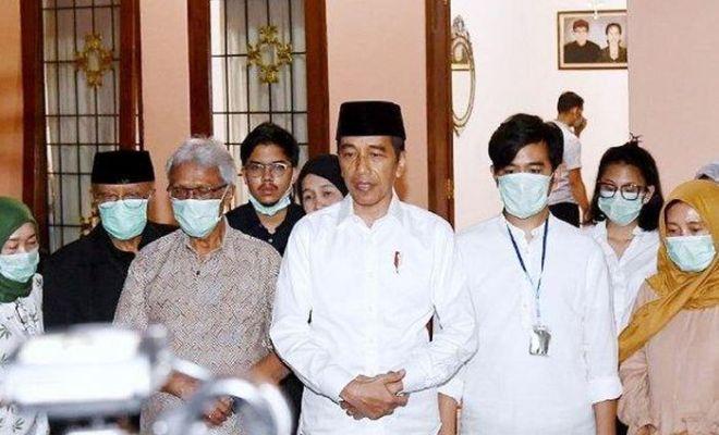 Presiden Jokowi Gelar Konferensi Pers Ungkap Penyebab Wafat Ibundanya, 'Eyang Noto'