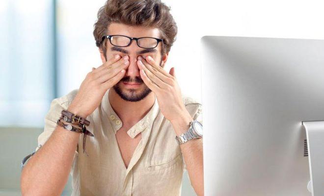 Berikut Cara Hindari Mata Lelah dan Kering Akibat Terlalu Lama Menatap Layar HP dan Laptop