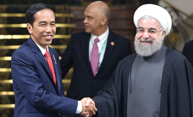 TIKTAK.ID - Setelah Teleponan dengan Trump Soal Ventilator, Jokowi Komunikasi dengan Rouhani: Iran Siap Pasok Alat Medis Lawan Corona