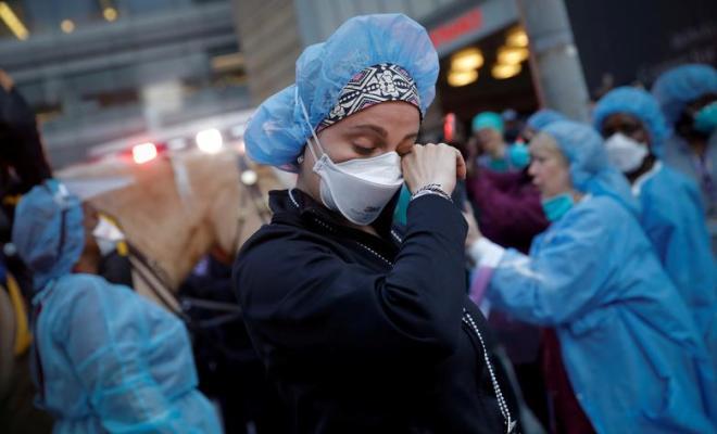 Kalut Saksikan Gelombang Pasien Banjiri Rumah Sakit di Amerika, Tenaga Medis Demo Terbuka Nyalakan Sinyal Bahaya