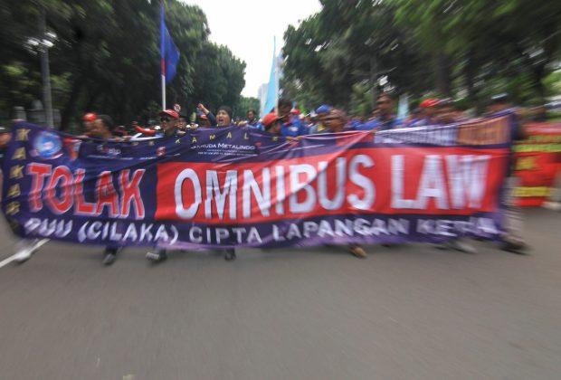 TIKTAK.ID - NU, Muhammadiyah dan PGI Kompak Desak DPR dan Pemerintah Setop Pembahasan RUU Omnibus Law Cipta Kerja