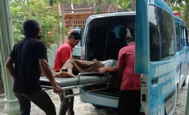 Kesehatannya Memburuk, Jokowi Dilarikan ke RSUD dr Soehadi Prijonegoro dengan Ambulans