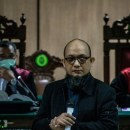 Penyiramnya Dituntut Hukuman Ringan, Novel Baswedan Anggap Jaksa 'Hina Presiden'