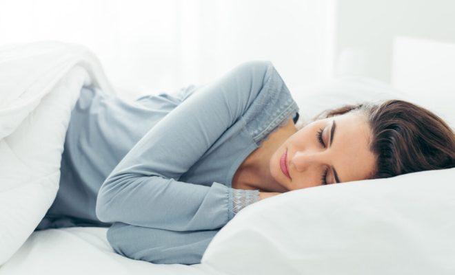 Benarkah Tidur di Ruangan dengan Kondisi Lampu Menyala Berdampak Buruk untuk Kesehatan?