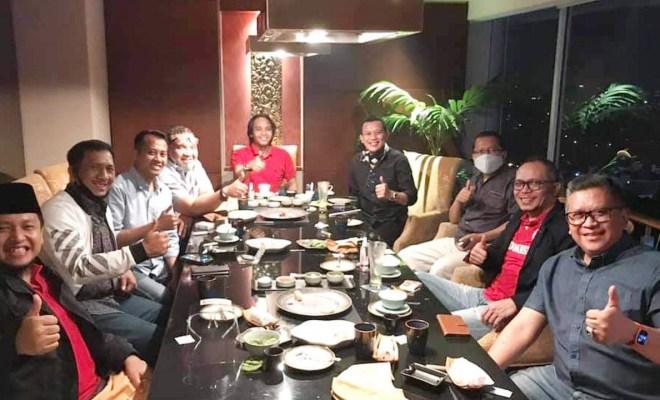 Kopdar Minggu Malam Sekjen Parpol Pendukung Jokowi, Bahas Reshuffle Kabinet?
