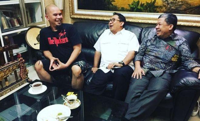 Penasaran Reaksi Ahmad Dhani Saat Tahu Fahri dan Fadli Diganjar Bintang Jasa oleh Jokowi?