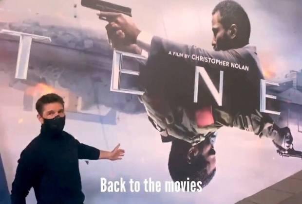 Tom Cruise Girang Bisa Hadiri Screening Film 'Tenet' di Bioskop London