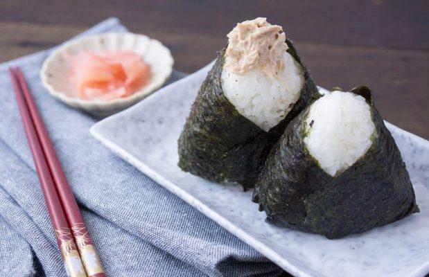 Cara Membuat Onigiri Tuna Mayo untuk Menu Sarapan ala Jepang