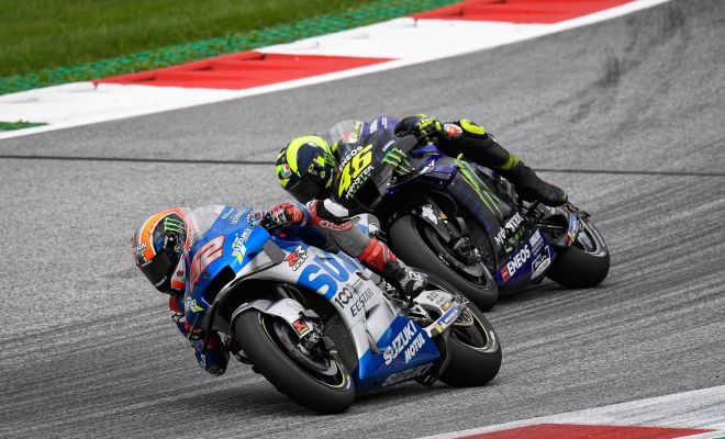 Rossi Klaim Akselerasi Motor Suzuki Lebih Cepat Ungguli Yamaha