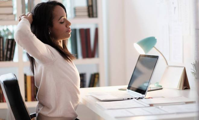 5 Tips Tetap Sehat Meski Sibuk Kerja