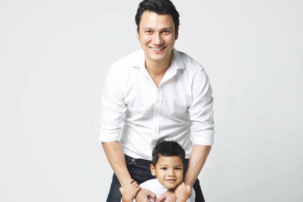 Christian Sugiono Bagikan Tips Tanamkan Kebiasaan Cuci Tangan pada Anak