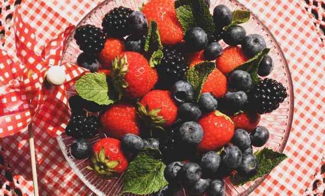 Netralkan Radikal Bebas dengan 3 Makanan Kaya Antioksidan ini