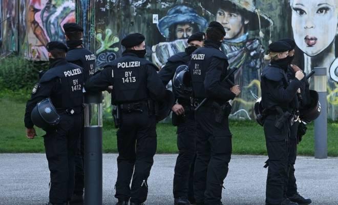 Jerman Skors 10 Polisi yang Tergabung di Grup Percakapan Kelompok Neo-Nazi