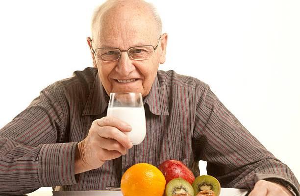 Susu Efektif Cegah Osteoporosis, Mitos atau Fakta?