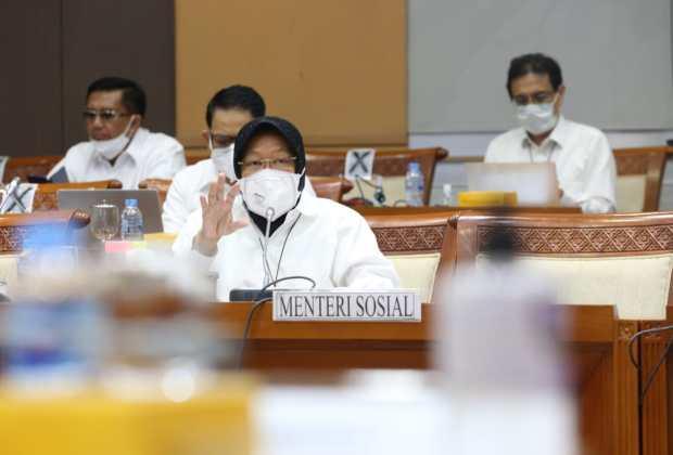 Rapat dengan DPR, Risma Bersumpah Tidak Pernah Niat Blusukan atau Cari-Cari Gelandangan