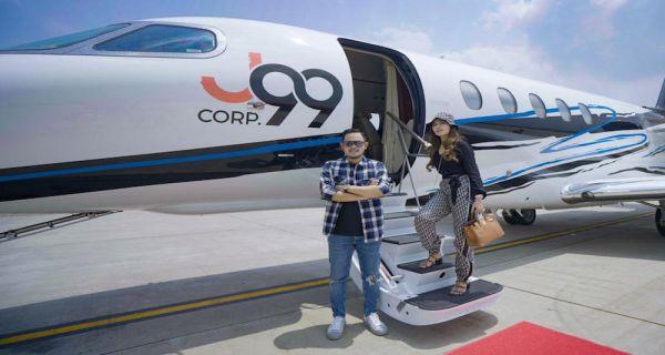 Pasangan Milenial Inspiratif Asal Malang, Wujudkan Mimpi Punya Jet Pribadi di Usia ke-8 Pernikahan