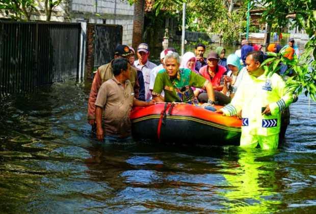 Sudah Hampir Sebulan Banjir Kudus Jawa Tengah Tak Juga Kelar, Den Ganjar Apa Kabar?