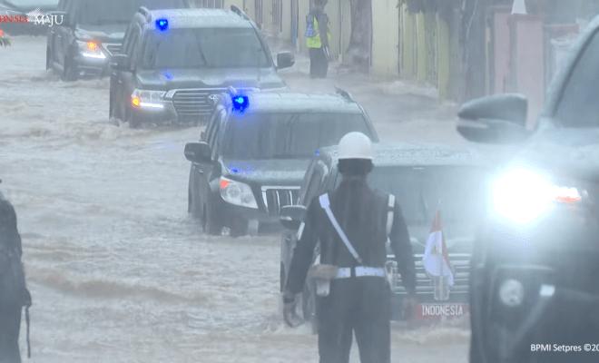 Mobil yang Dipakai Jokowi Terjang Banjir di Kalsel Jadi Buruan di AS