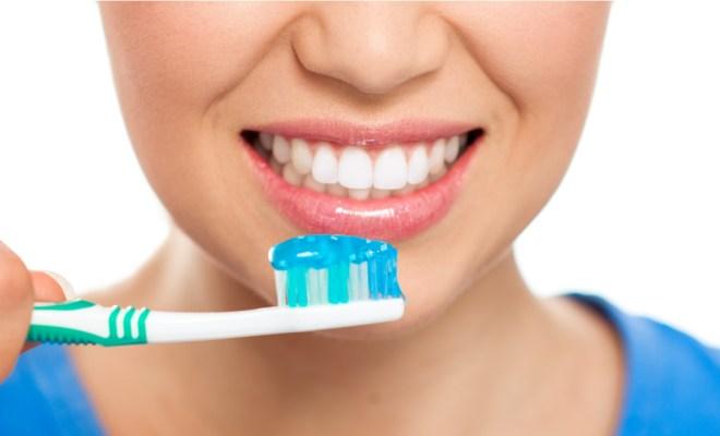 Ketahui Cara Gunakan Sikat Gigi yang Benar