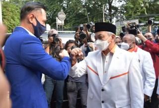 Presiden PKS Temui AHY, Netizen Sentil Status Ilegal Kubu KSP Moeldoko