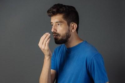 Tips Hilangkan Bau Mulut Saat Puasa di Tengah Pandemi
