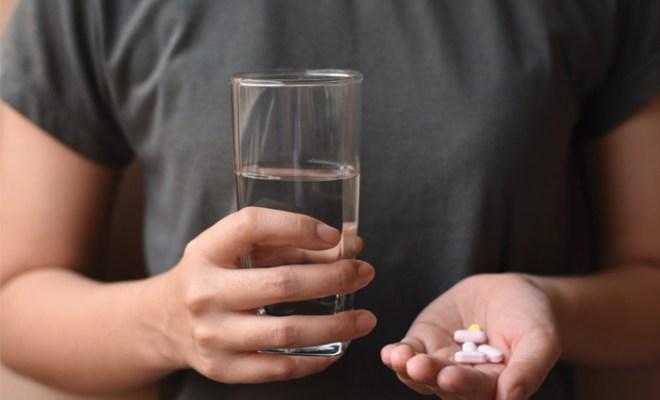 Ini Alasan Aturan 'Minum Obat Harus Dilakukan Setelah Makan'
