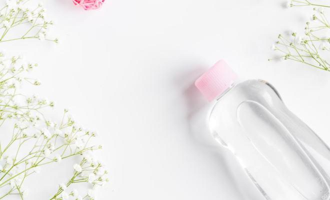 Pakai Baby Oil untuk Skincare, Amankah?