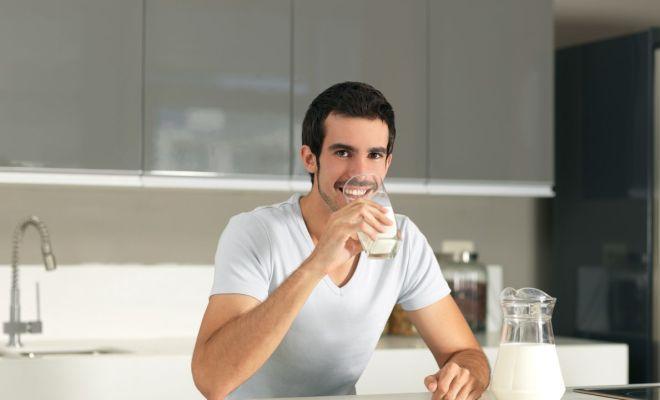 Benarkah Susu Tak Bermanfaat untuk Orang Dewasa?
