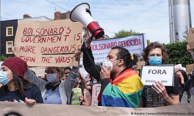 Protes Pemerintah, Ribuan Warga Brasil Turun ke Jalan