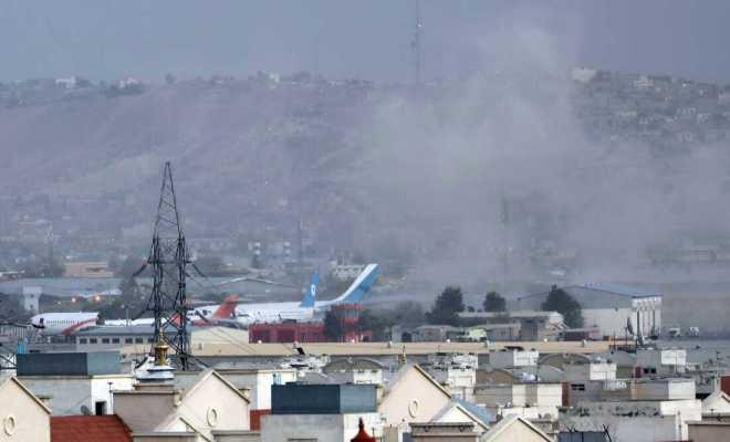 Bandara Kabul Diguncang Serangan Dua Bom Bunuh Diri