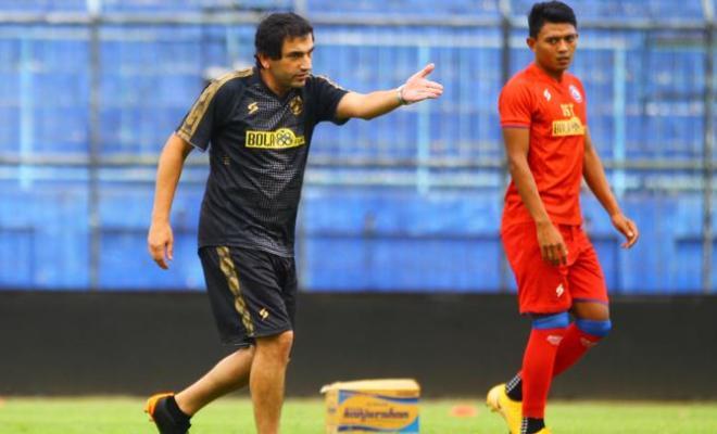 Pelatih: Arema FC Tak Mampu Tampil Konsisten di Pekan Pertama Liga 1