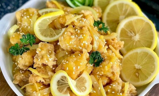 Resep Ayam Goreng Saus Lemon, Gurih dan Segar