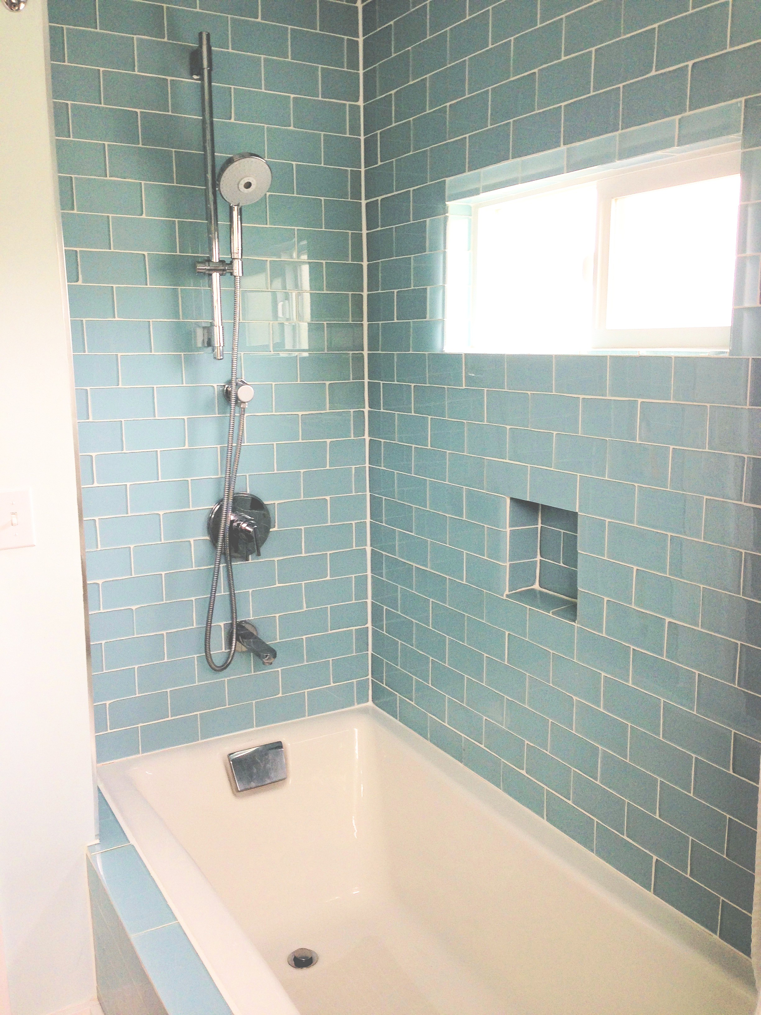 27 great small bathroom glass tiles ideas