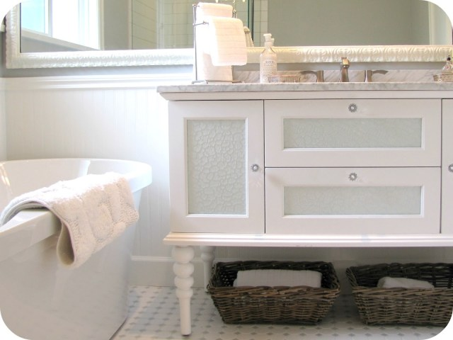 Antique White Bathroom Mirror – laptoptablets
