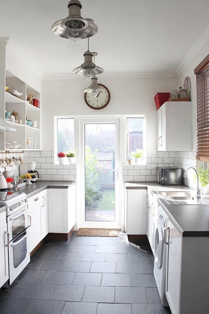 Swoon Worthy kitchen with underfloor heating under slate