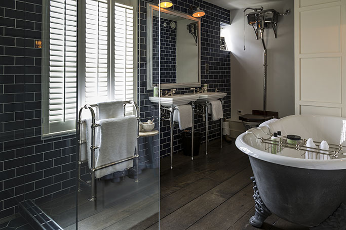 There Are A Few Things That Can Be Taken From The Original Wealthy Victorian Bathrooms And Translated To Modern Times To Make For A Gorgeous