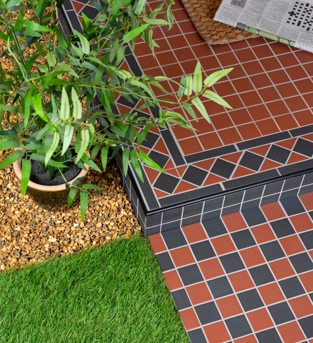 Victoria Red & Black Chequer Mosaic | Tile Mountain