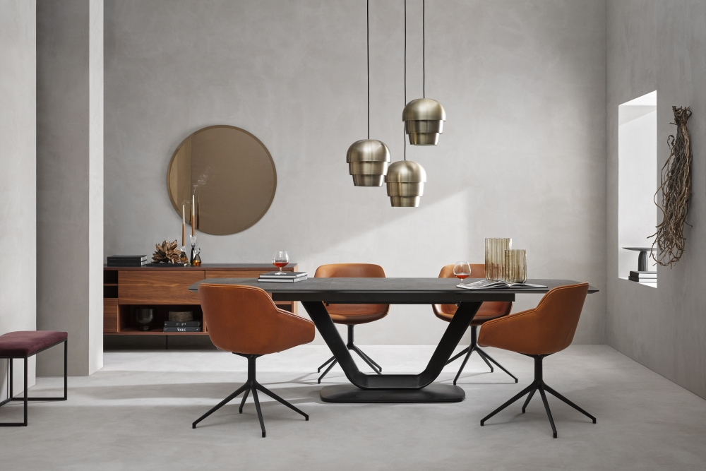 Alicante Extending Table & Vienna Swivel Chairs | BoConcept