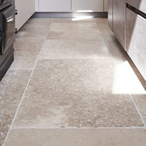 Carnaby Tumbled Limestone-7583