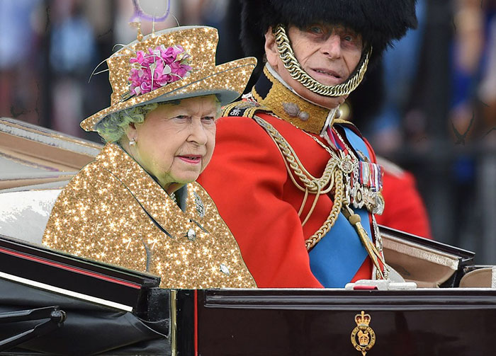 queen-elizabeth-green-screen-outfit-funny-photoshop-battle-13-575e9af161b5e__700
