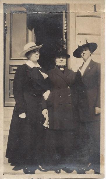 Amalie, Anne Margrete og Frida