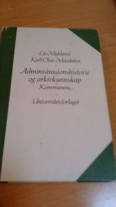 Boken finnes på Nasjonalbiblioteket og kan lese som e-bok på nettet.