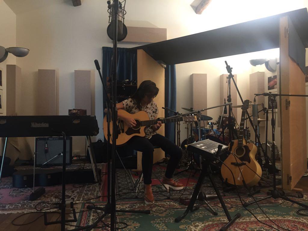 Roberta Finocchiaro nello Studio di registrazione Tillie Records