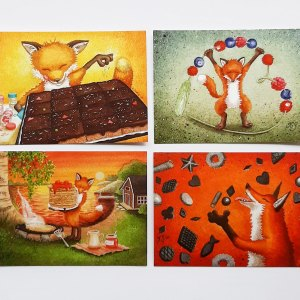 Neljä erilaista postikorttia ketun kuvilla, esim. postcrossing sopivia. Kuvittaja Katja Saario