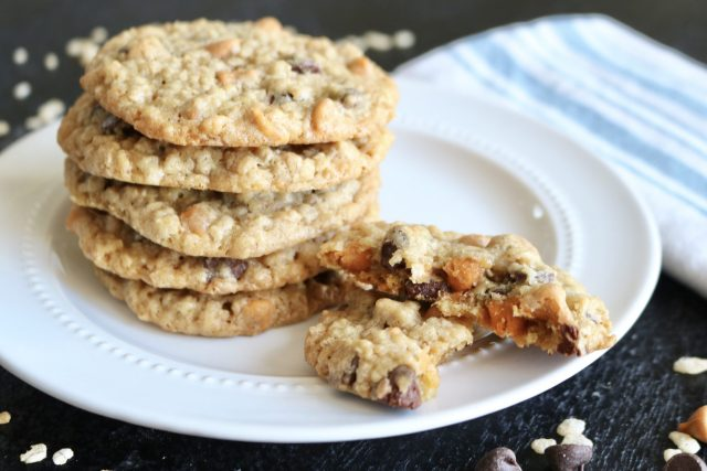 These delicious cookies are loaded with oatmeal AND rice cereal which give them a mouth watering texture!