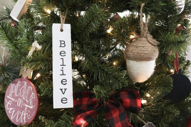 How to make simple and cheap DIY Christmas ornaments that you can customize to fit YOUR style and color scheme!