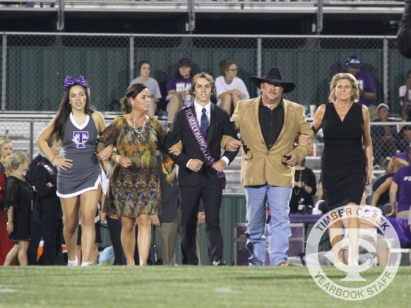 Photos from the Sept. 15 Homecoming crowning ceremony. (Photo by The Creek Yearbook photographer Amanda Barber)