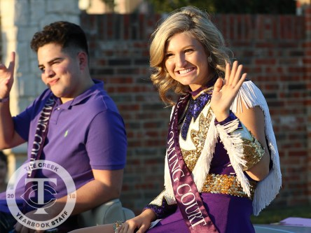 Photos from the Oct. 12, 2017 Homecoming Parade from The Creek Yearbook photographer Taylor Deker.v