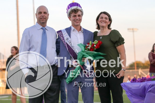 Photos from the Varsity Homecoming Football game vs. Richland High School on Oct. 9. (Photo by The Creek Yearbook photographer Peyton Lea )
